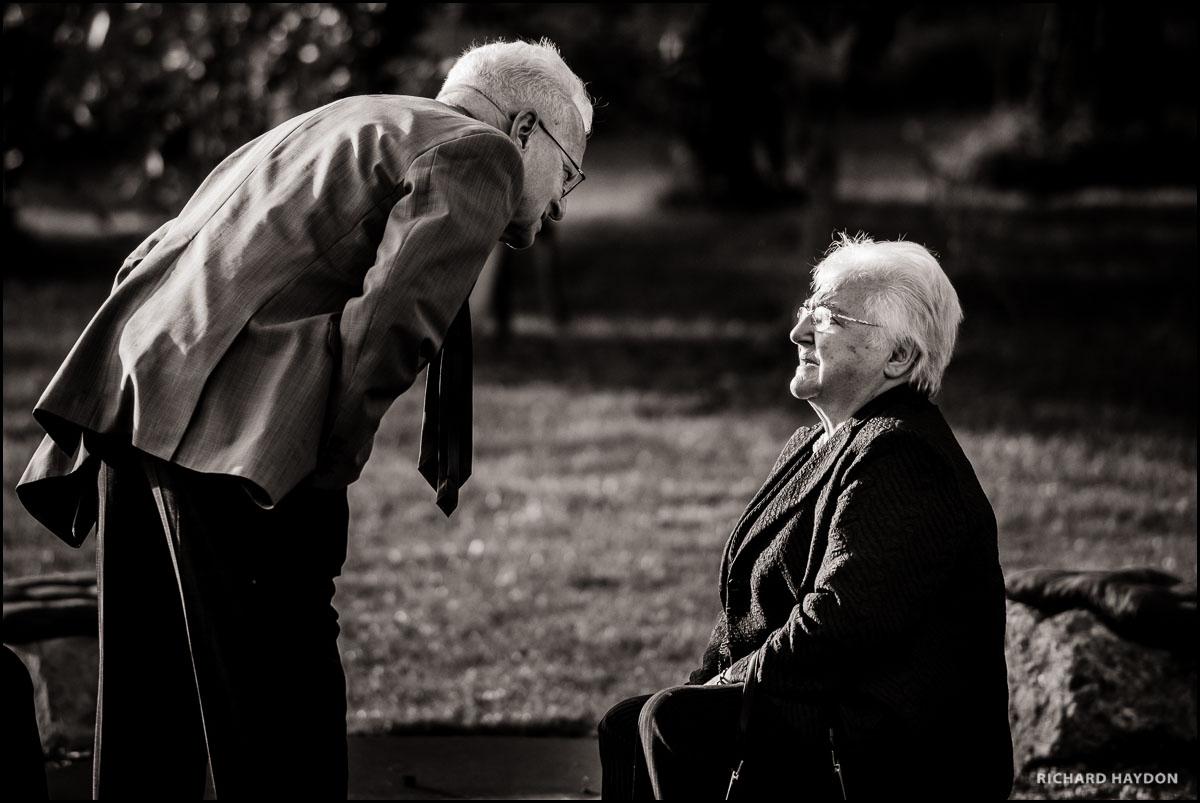 Älteres Ehepaar an einer Hochzeit in Zürich Stäfa