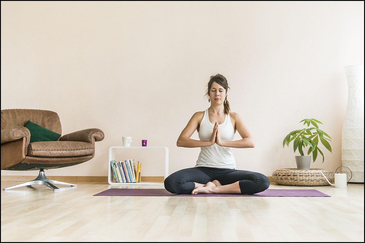 Yoga im Wohnzimmer