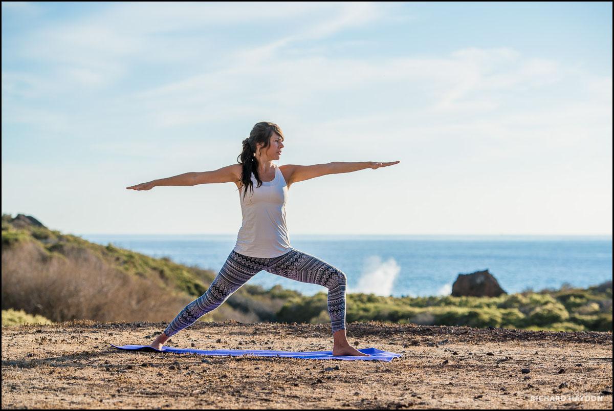 Frau macht Yoga auf La Gomera