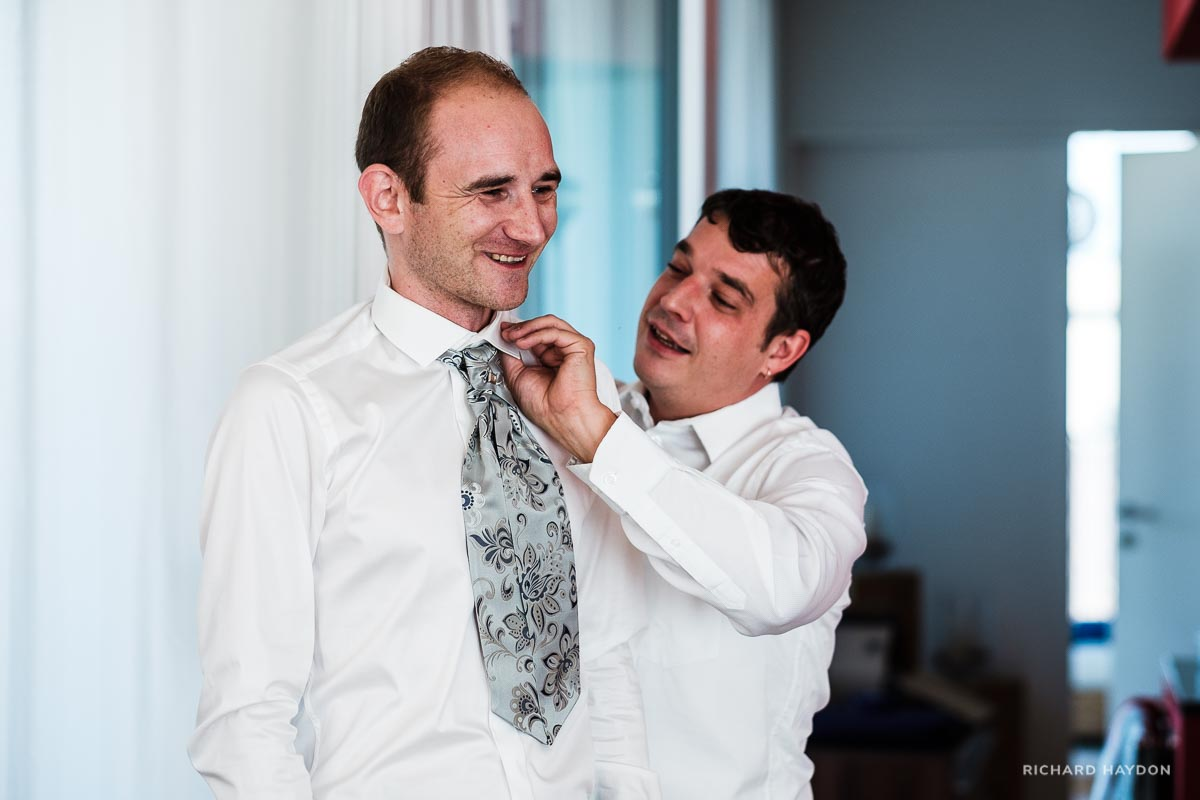 Hochzeitsvorbereitungen Bräutigam in Zürich