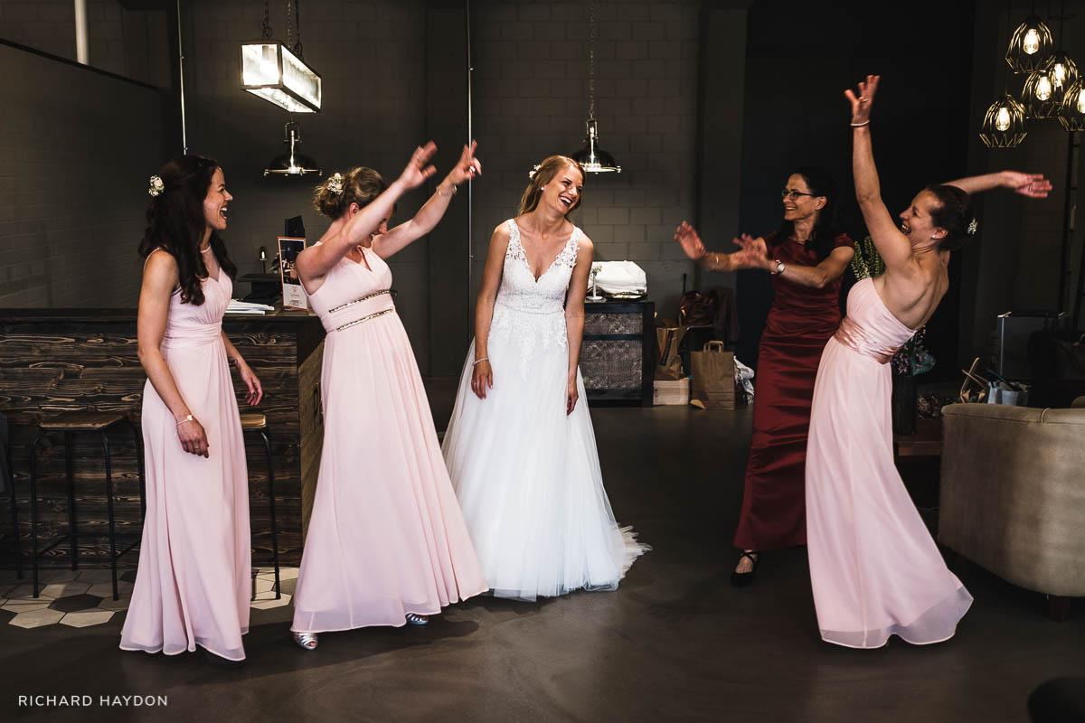 Brautjungfern-Hochzeitsfoto